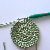 Changing color crochet
