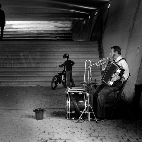 Paris - Metro Musician