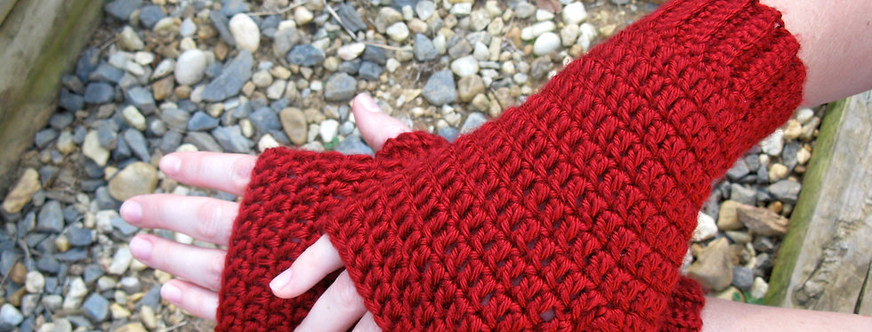 Red Riding Hood mitts || Crochet Pattern