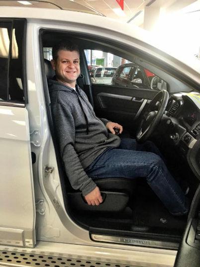 Daniel Frawley - car locksmith fixing car ignition