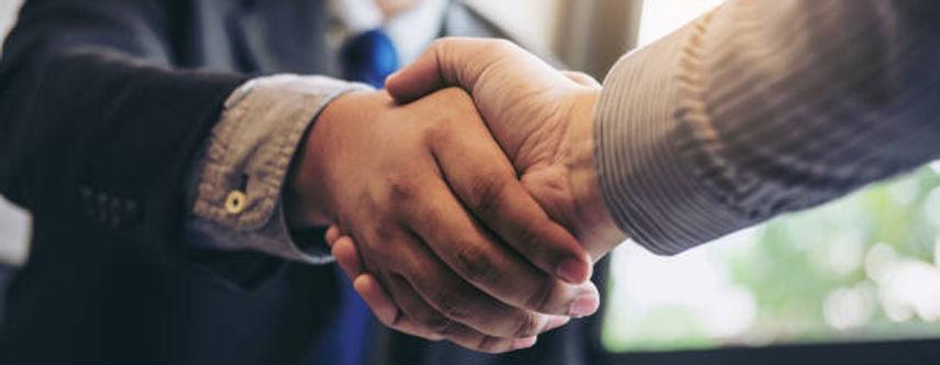 shaking hands2.jpg