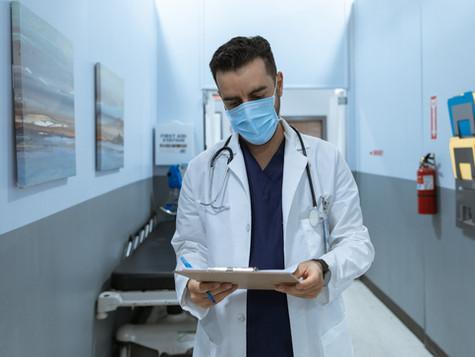 Cuidados de enfermagem com os pacientes dependentes químicos