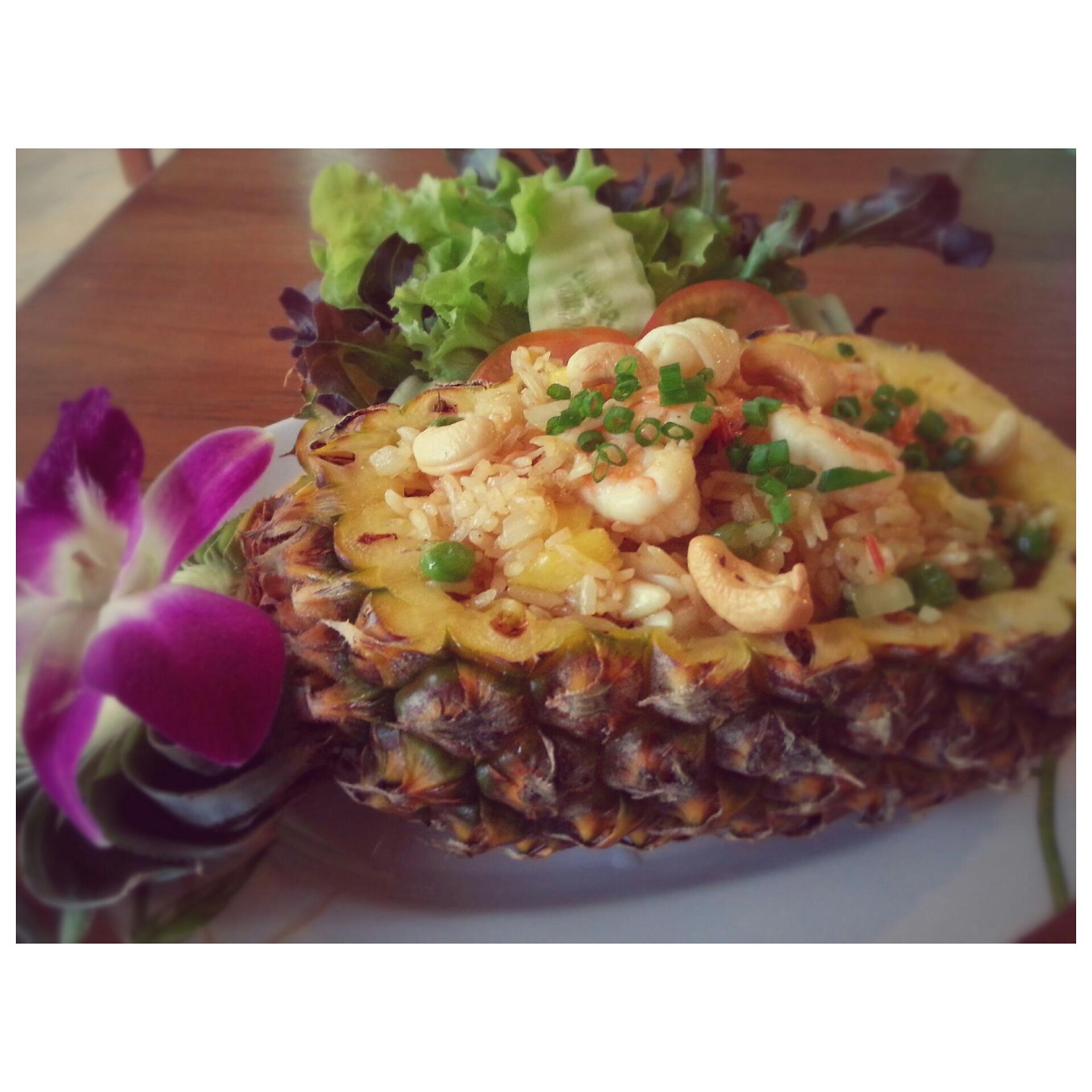 Pineapple Fried Rice  150.-