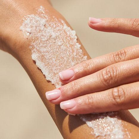 Kylie-skin-body-scrub-2.jpg