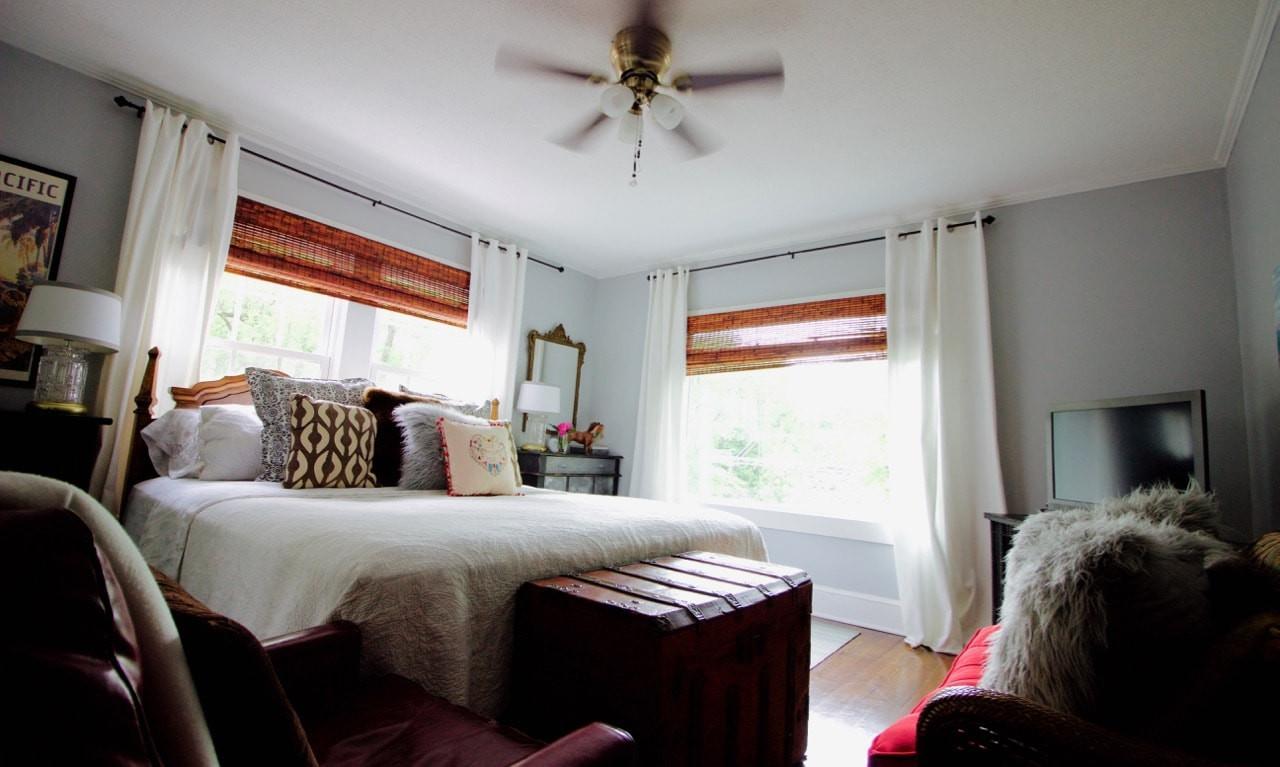 Riverhouse Room