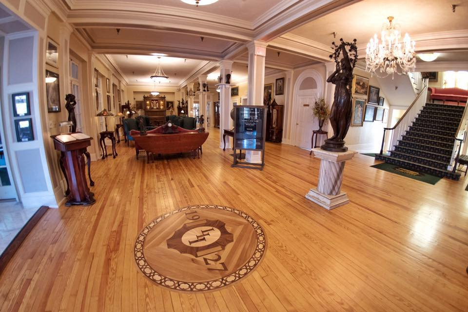 LL Inn Interior Lobby