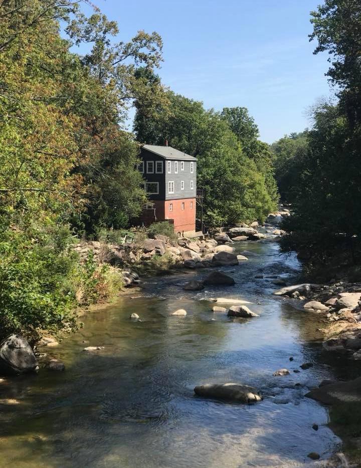 Riverhouse Inn on the River