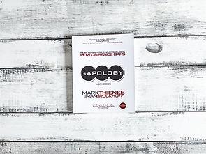 2021_Gapology_Flatlay-Book-11.jpg