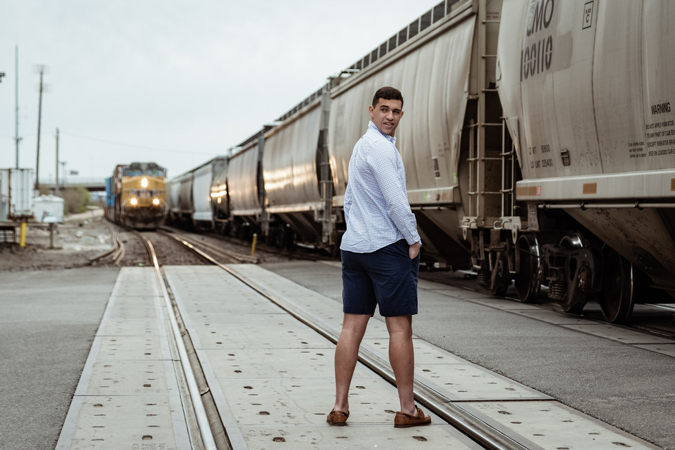 2019_Senior Pics_Brandon_Color-6.jpg