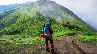 1 Mountains_Trail_Tourist_Back_view_Back