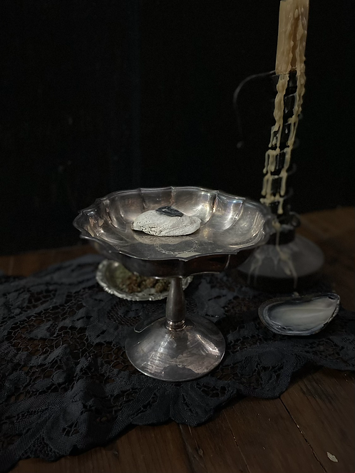 Engraved offering dish