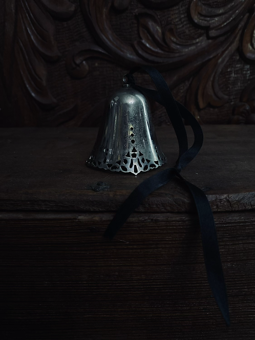 Sterling lace bell