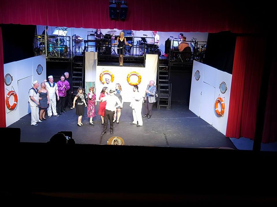 theatre03.jpg