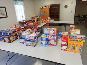 Chalk Point Power Plant Employees Food Drive
