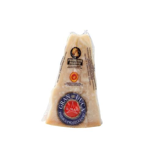 PARMIGIANO REGGIANO Italian Cheese - Gran Duca vacuum pack - 300gr
