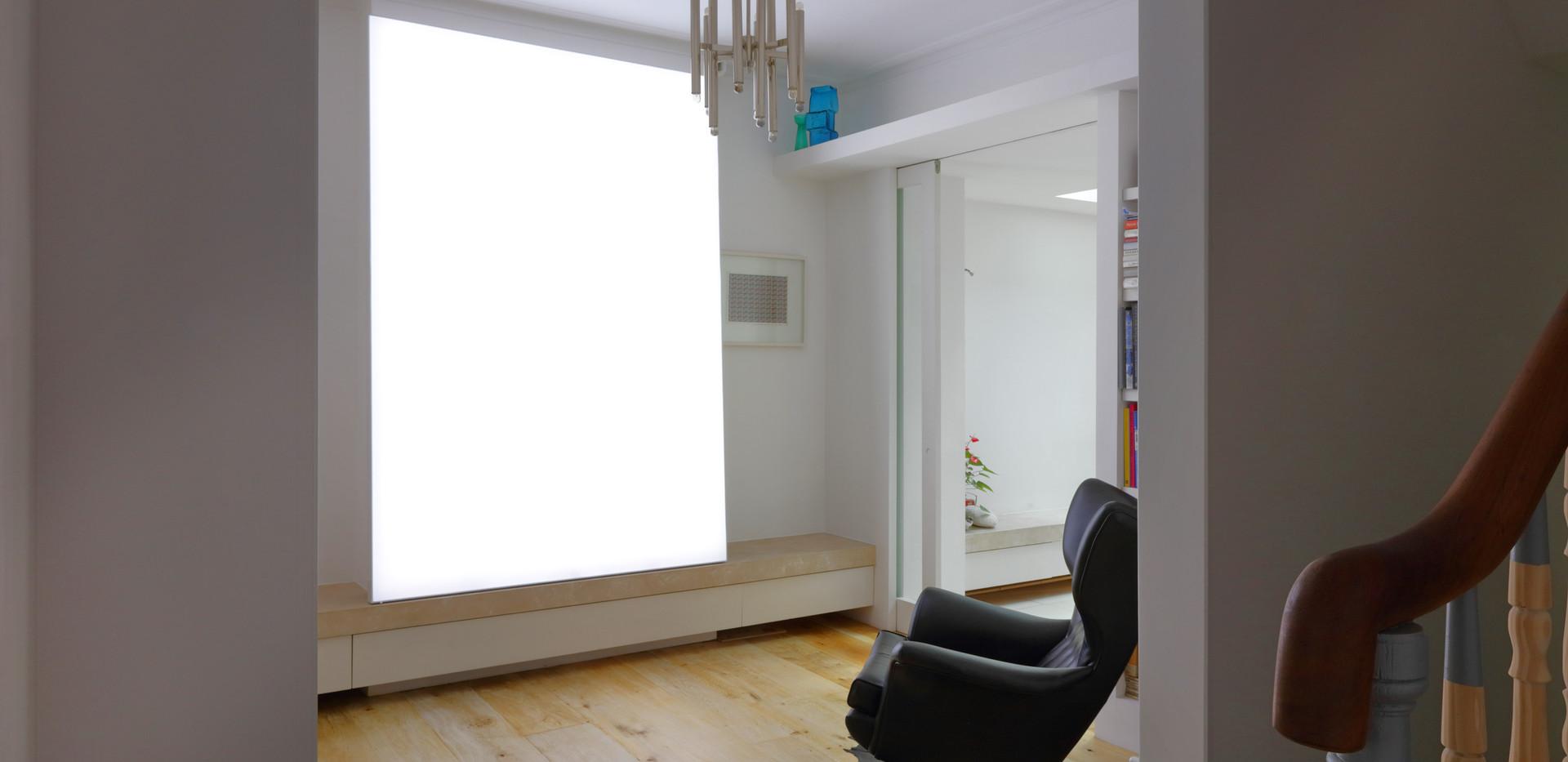 Plain Lightbox.JPG