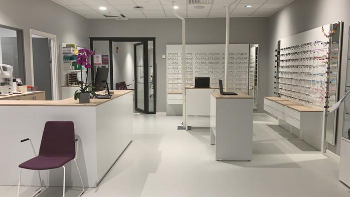 Optiker Karolinska institutet butiksinredning- Smålandsinredningar