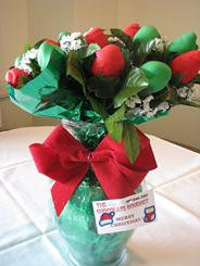 CHRISTMAS CHOCOLATE COVERED STRAWBERRY ROSE BOUQUET