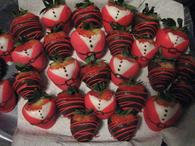 CHRISTMAS CHOCOLATE COVERED STRAWBERRY FAMILY GIFT