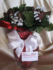 CHOCOLATE STRAWBERRY ROSE BOUQUET