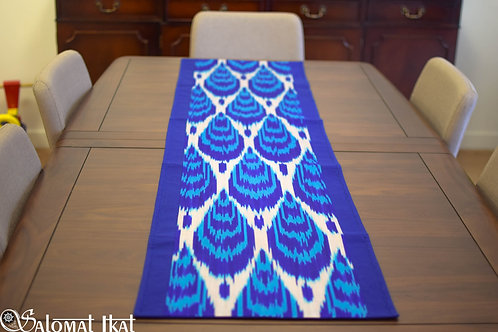 Blue droplets table runner