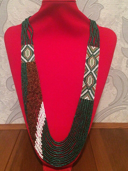 Green beauty beaded necklace