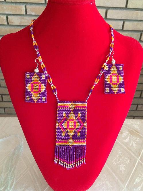 Colourful pendant necklace set