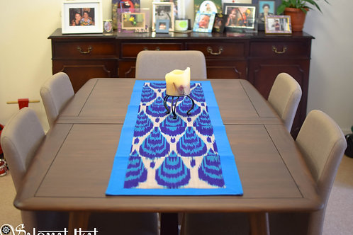 Droplets table runner