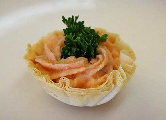 Coupelle phyllo avec mousse de saumon