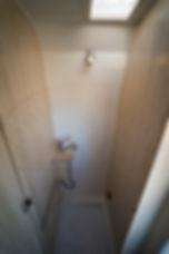 blanca_baño_cerrado_agua.jpg