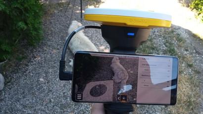 A Földmérő Kutya farka belelóg a virtuális aknába
