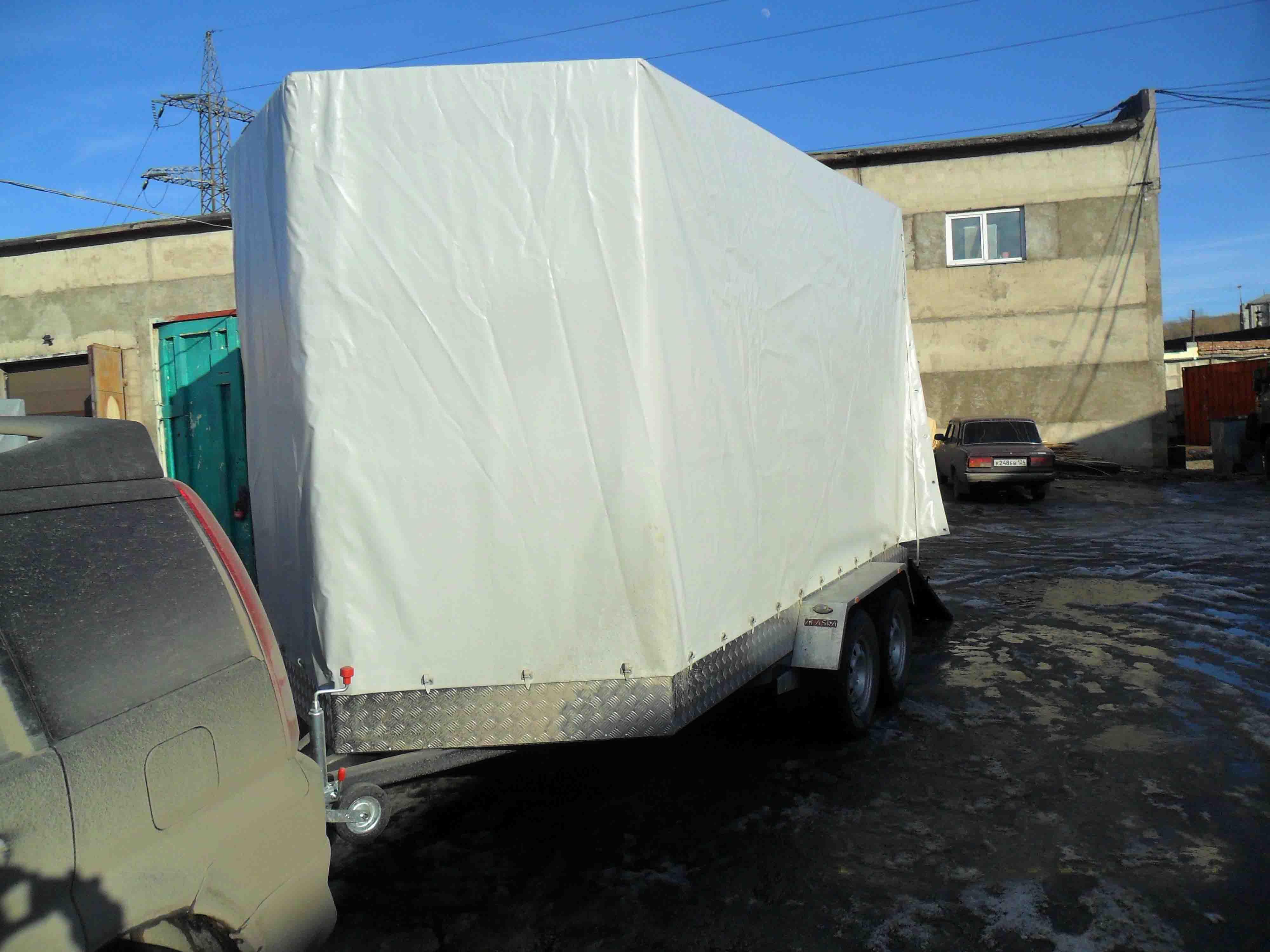 Легковой прицеп Аляска Коневозка