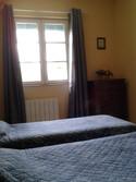 Chambre jaune, 2 lits, étage
