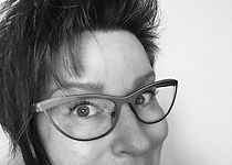 Kathy Curry_photo portrait.jpg
