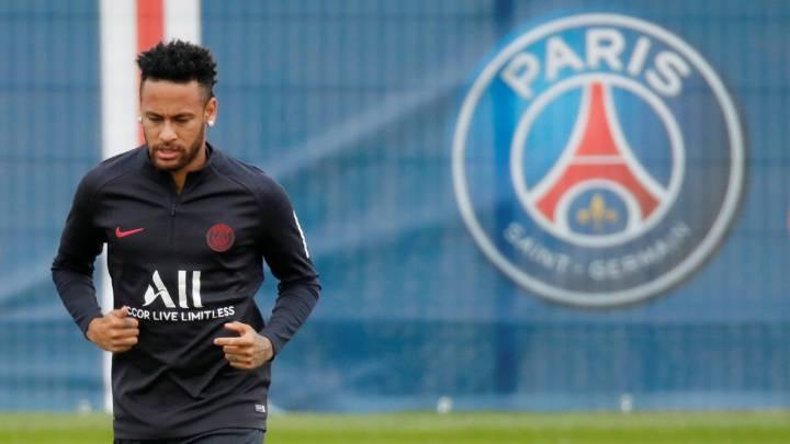 El Paris Saint-Germain rechazó una oferta de 190 millones de euros de Barcelona que vería a Neymar regresar al Camp Nou