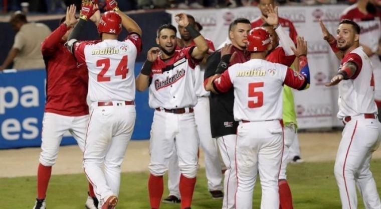 Venezuela gana juegazo ante Cuba