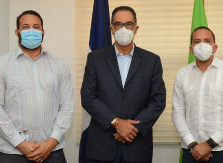 Peloteros dominicanos activos y retirados recibirán seguro médico gratuito