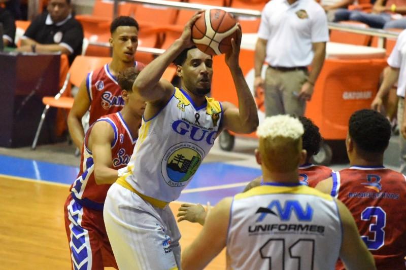 El consistente refuerzo del club Gregorio Urbano Gilbert (GUG), Juan Guerrero domina los departamentos de puntos y rebotes del Baloncesto Superior de Santiago