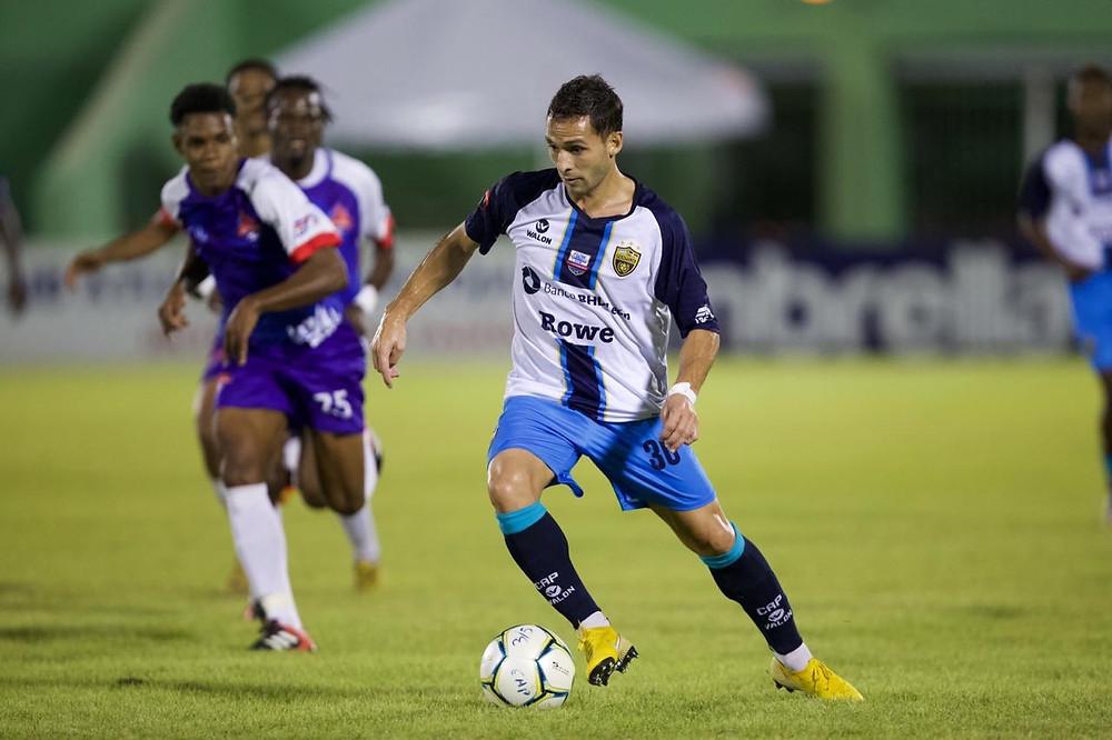 El Club Atlético Pantoja logró un triunfo 2 goles por 0 sobre el Atlético San Cristóbal