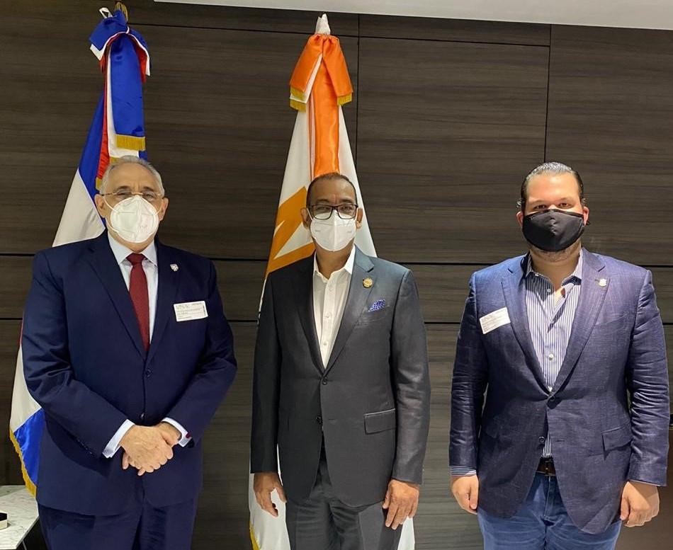 Vitelio Mejía Ortiz, giró este jueves una visita de cortesía al Ministro de Obras Públicas, ingeniero Deligne Ascensión