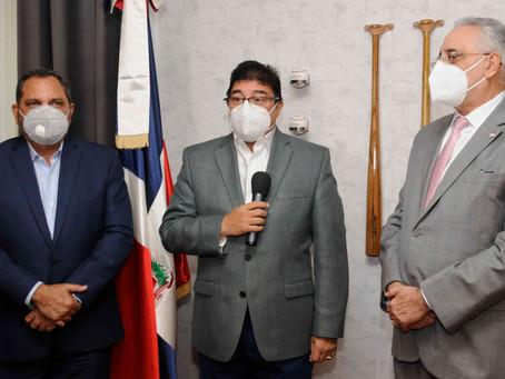 Ministro Camacho ofrece respaldo al campeonato de béisbol invernal