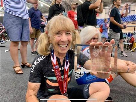 Barbara Gicquel, la ciclista que fue suspendida por dóping y perdió un récord mundial a los 80 años.