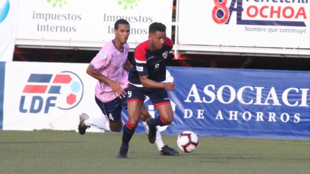 La selección dominicana de fútbol sub-23 enfrente hoy a su similar de Cuba en el Estadio Panamericano de San Cristóbal