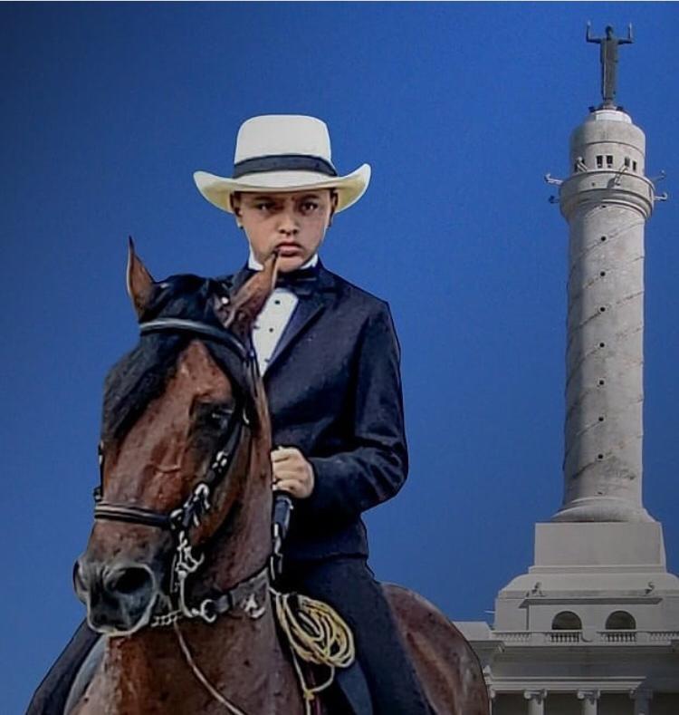Micalito Bermúdez sobre uno de los caballos que guía con maestría