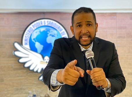 Curiosa del día: De pelotero a Pastor. Rafael Vargas cambio bate por Biblia
