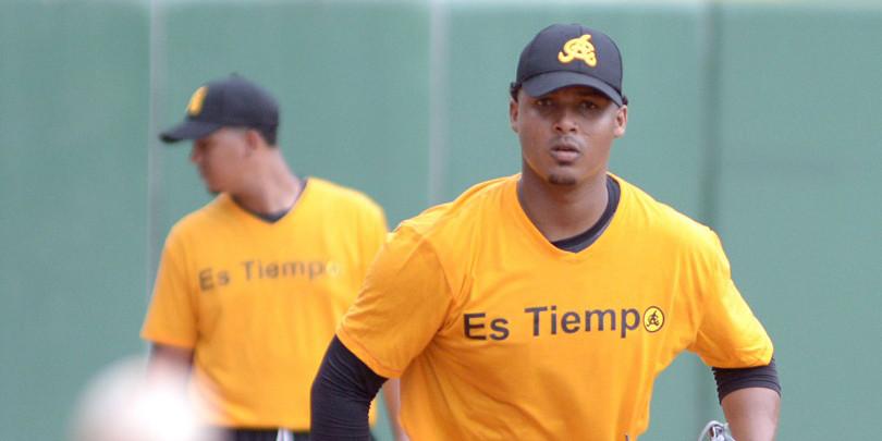 El lanzador derecho José Domínguez