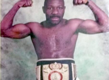 Pedro Saiz boxeador coleccionista de medallas