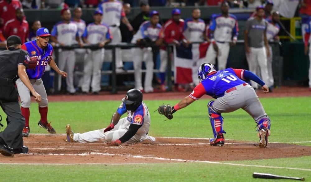 Los Toros del Este de República Dominicana consiguieron una apretada victoria sobre los Cangrejeros de Santurce de Puerto Rico, con pizarra de 4-3