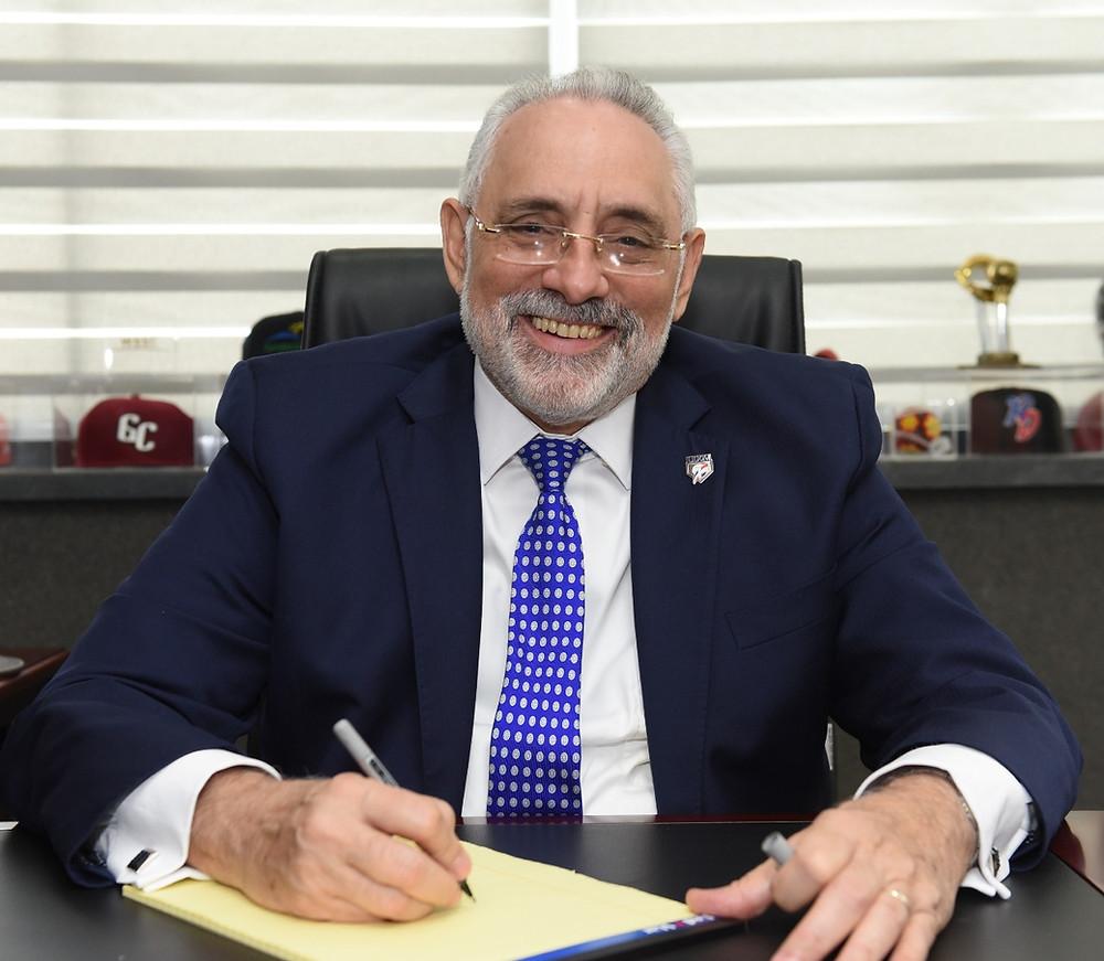 El presidente de la Liga de Béisbol Profesional de República Dominicana (Lidom), licenciado Vitelio Mejía Ortiz