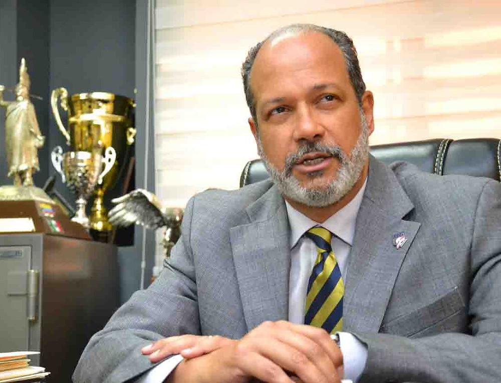 Dr. Adriano Valdez Russo